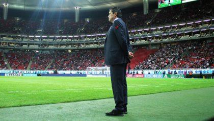Luis Fernando Tena reveló el día que Chivas decidirá si se va o se queda