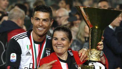 'Mafia del futbol' es responsable de que Cristiano no gane más premios, dice su mamá