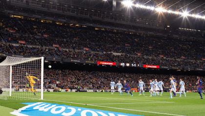 ¡Una locura! Los dos golazos de Messi de tiro libre ante el Celta de Néstor Araujo