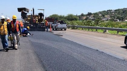 ¡Wow! México estrena la primer carretera hecha de plástico reciclado