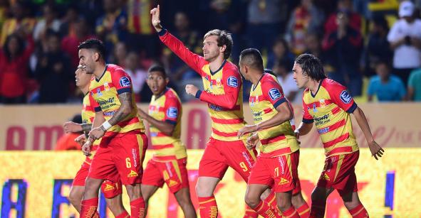 Morelia remonta al Puebla y sentencia a Chivas, Cruz Azul y tres equipos más