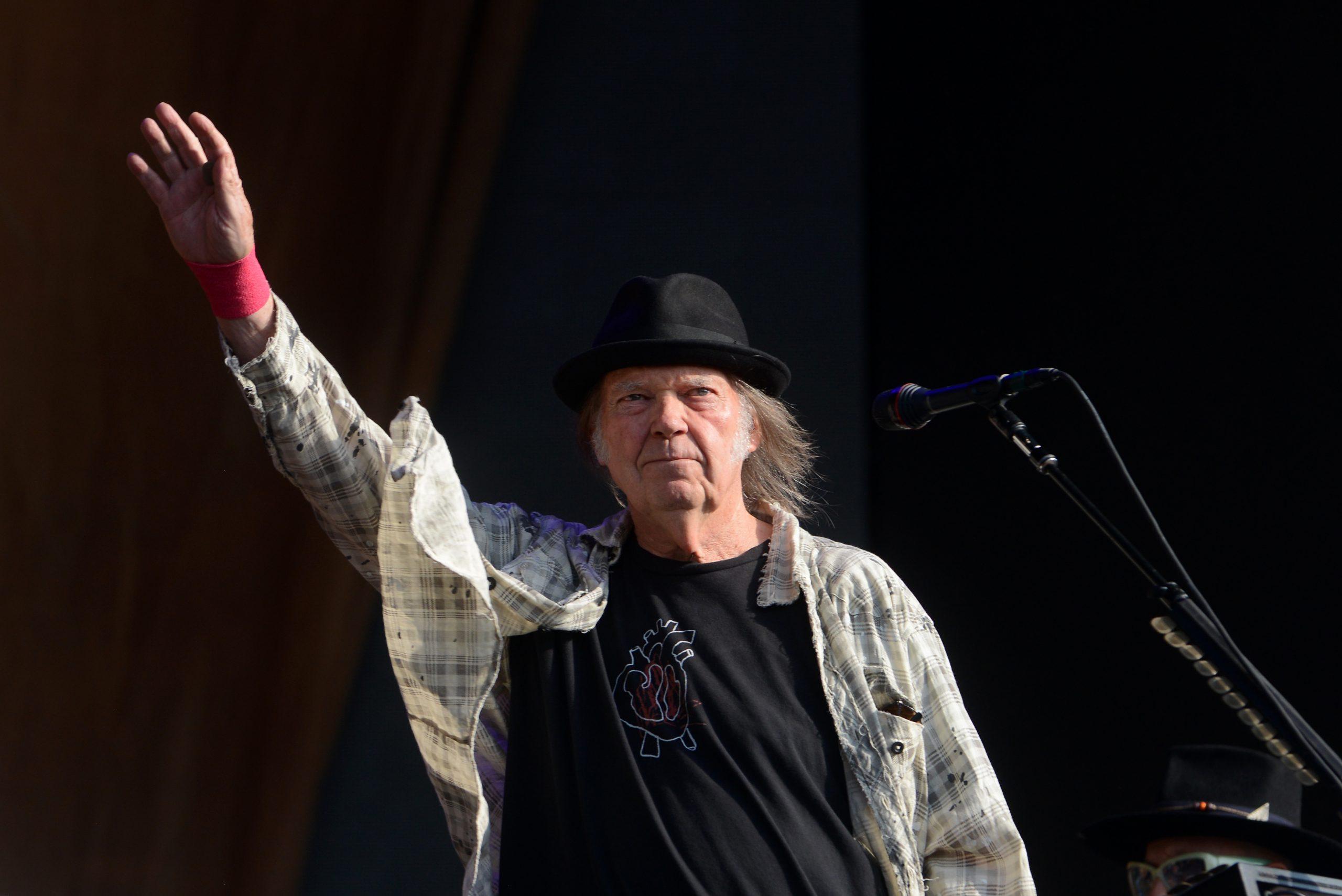 Neil-A ver si así: Neil Young demanda a Donald Trump por seguir usando sus canciones-1