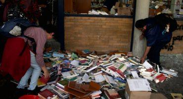 ¡Qué orgullo! Estudiantes de la UNAM se organizaron para arreglar la librería vandalizada