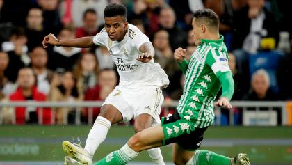 El Betis y Guardado le ponen el pie al Madrid en el Bernabéu