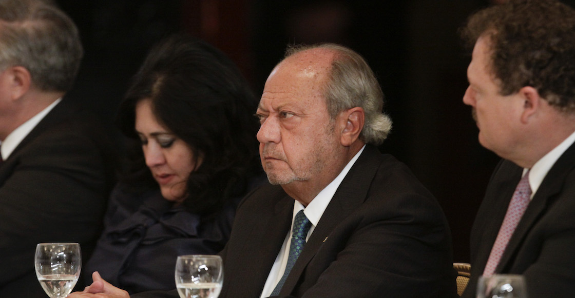Otra de Romero Deschamps: Su familia cobra 700 mil pesos al mes en Pemex
