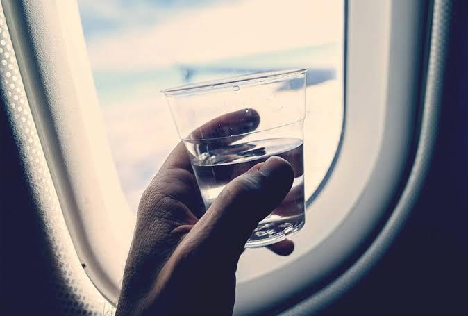 Estudio revela que el agua de los aviones puede estar tan sucia como la del retrete