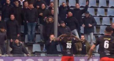 Futbolista 'mandó a callar' insultos racistas con un golazo
