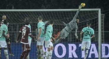 Lautaro y Lukaku rescataron al Inter de Milán de ser eliminado de la Champions League