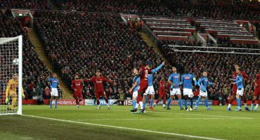 Anfield mantiene su invicto intacto tras el empate entre Liverpool y Napoli