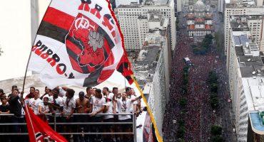 En imágenes y video: Flamengo celebró con miles de aficionados su título de la Copa Libertadores