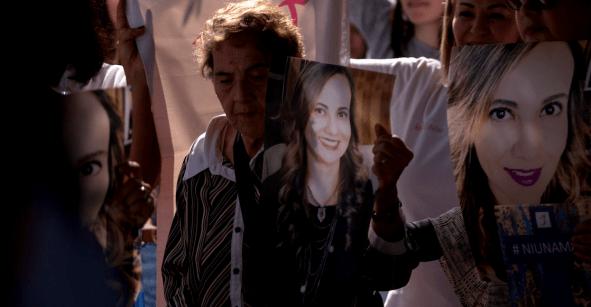 Dice el exesposo de Abril Pérez Sagaón que ella intentó asesinarlo