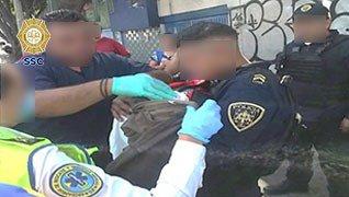 ¡Nace otro chilanguito en un taxi! Policías de la SSC auxiliaron a la mujer esta mañana