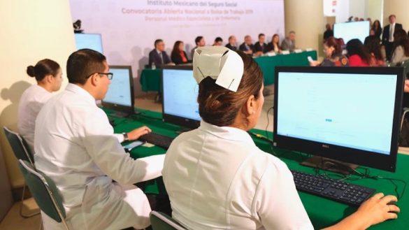 IMSS-convocatoria-medicos-enfermeras-sueldo-como-hacerle
