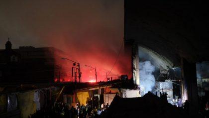 Incendio en La Merced deja 2 muertos, 8 heridos y daños en 600 locales