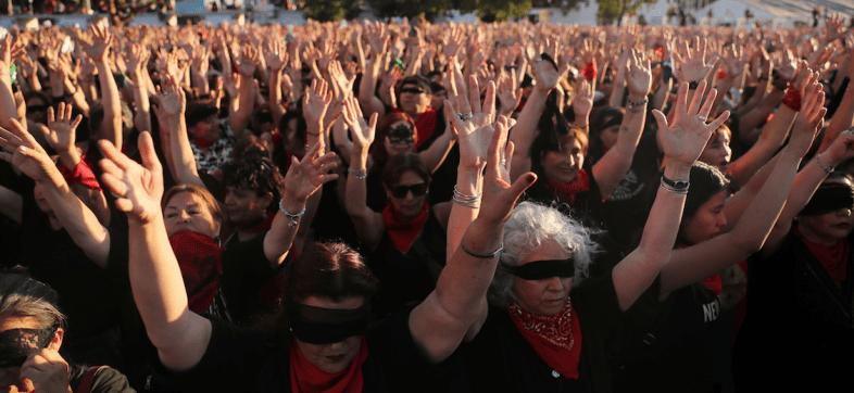 Las-tesis-senior-chile-un-violador-en-tu-camino