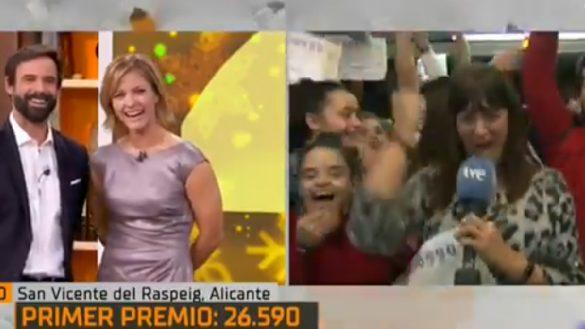 El sueño de todos: Reportera se entera en vivo que ganó en la lotería y anuncia que no va a trabajar al día siguiente
