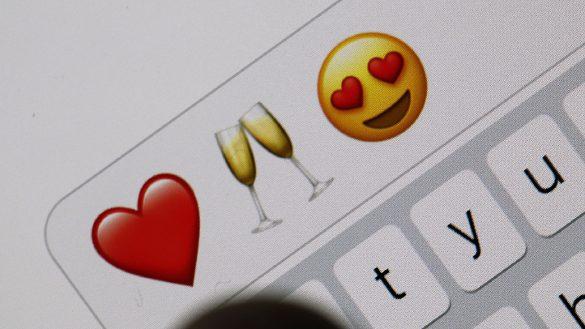 """¡Oh sorpresa! """"Emojis"""" es nombrada como la palabra del año por la Fundéu"""