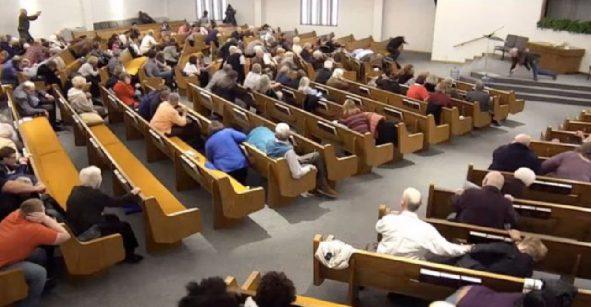 Nuevo tiroteo en iglesia de Texas deja dos muertos y un herido