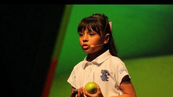 Adhara Pérez, la niña genio mexicana que podría estudiar en la Universidad de Arizona por invitación de su presidente