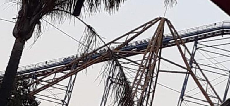 """Otra de juegos mecánicos: Suspenden a """"Superman"""" en Six Flags tras una falla que dejó a usuarios en las alturas"""