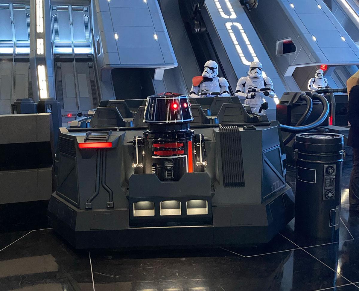 Los Pods son los vehículos inteligentes en los que disfrutas de Storm Troopers te esperan en Star Wars Rise Of The Resistance