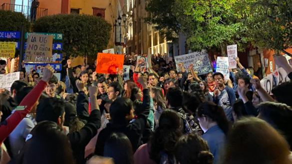 Universidad-de-Guanajuato-protesta-estudiantes