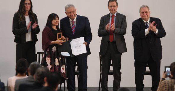 Alexa Moreno y AMLO, mujer y hombre del 2019: El Financiero