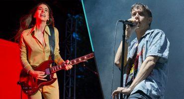 Julian Casablancas olvidó la letra de 'Under Pressure' durante dueto con Haim