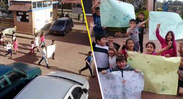 Con pancartas y toda la cosa: Estos niños se manifestaron para exigir un lugar para jugar