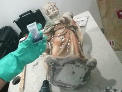 ¿Eran pa'l nacimiento? Decomisan figuras hechas de metanfetaminas en el AICM
