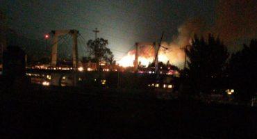 Se reporta fuerte incendio en subestación de CFE en Santa Martha Acatitla