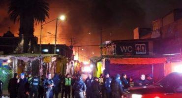 Se registra fuerte incendio en La Merced; al menos 400 personas desalojadas