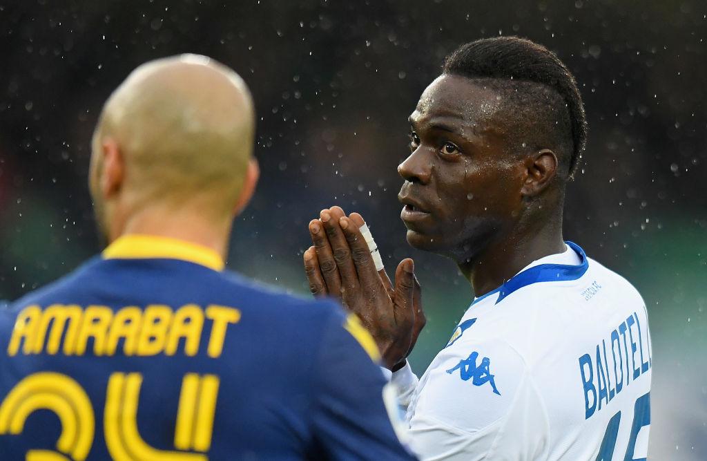 Brescia dejaría libre a Balotelli en enero tras ser víctima de racismo
