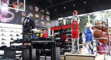 ¡La NBA abre su primera tienda oficial en México!