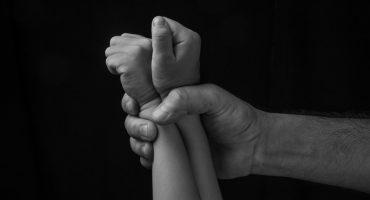 Expulsan de la escuela a un niño que denunció al velador por abuso sexual