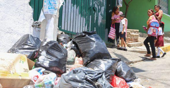 ¡A ver si así! Dan recompensa de mil pesos por denunciar a quienes tiren basura en la calle