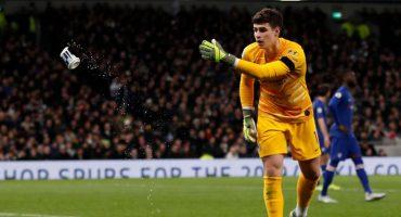 Imponen veto a fanático del Tottenham que le arrojó una lata a Kepa Arrizabalaga