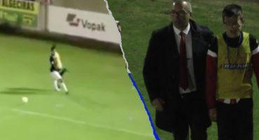 Futbolista 'golpeó' en el estómago a niño recogebalones y salió llorando del campo