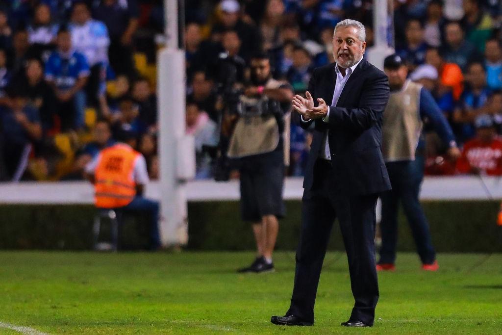 Vucetich dejó al aire su continuidad en Querétaro tras ser eliminado por Necaxa