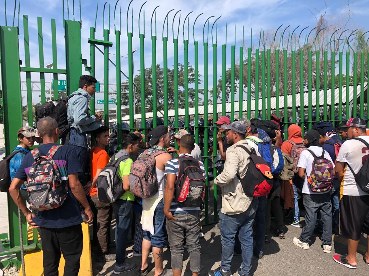 Guardia Nacional cierra fronteras con Guatemala e impide entrada de nueva caravana migrante