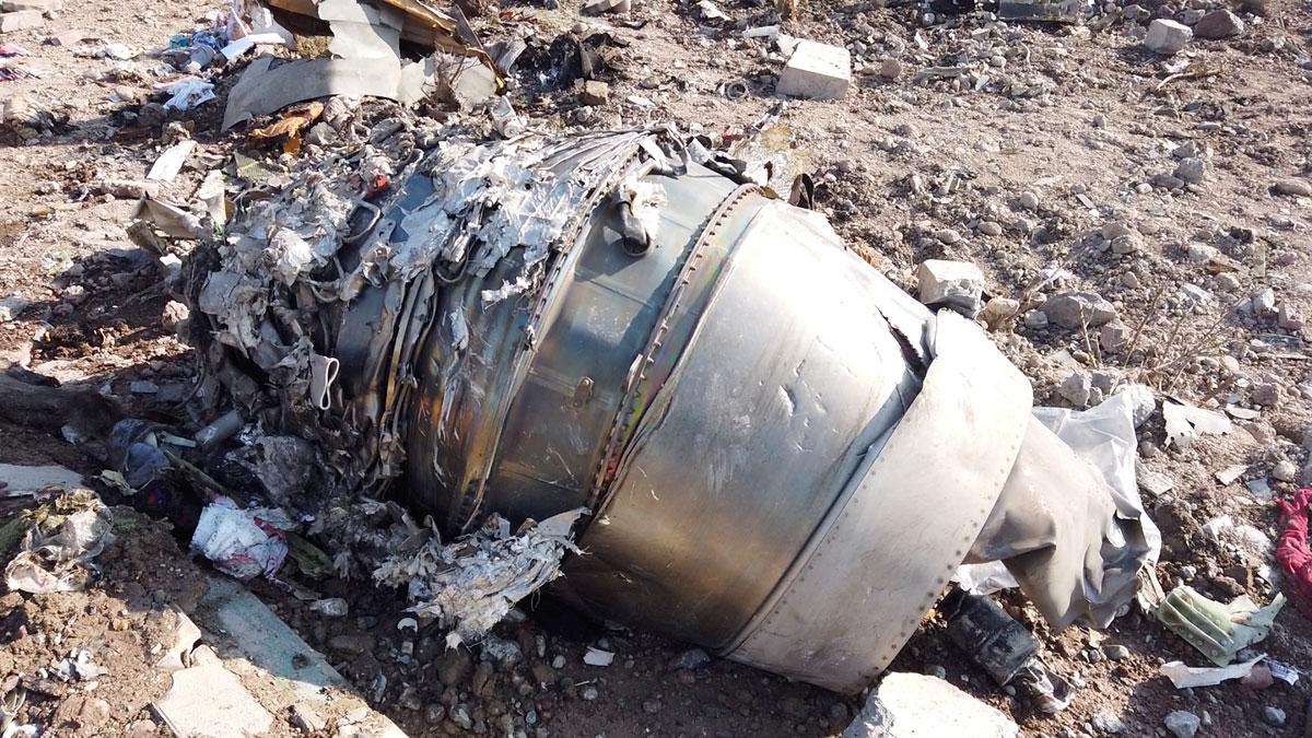 Fuselaje del avión de Urkanian International Airlines derribado en Irán con 176 pasajeros