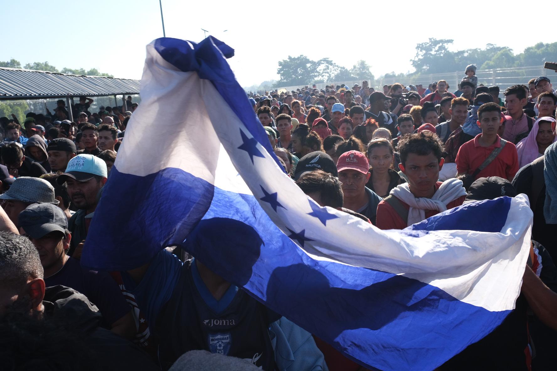 Guardia Nacional cierra fronteras con Guatemala para evitar entrada de nueva caravana migrante