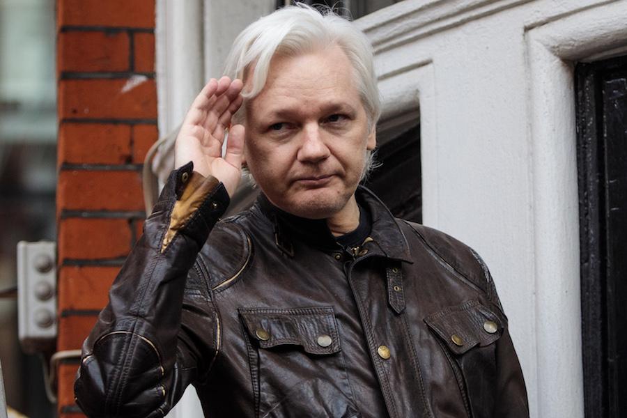 AMLO-julian-assange-wikileaks