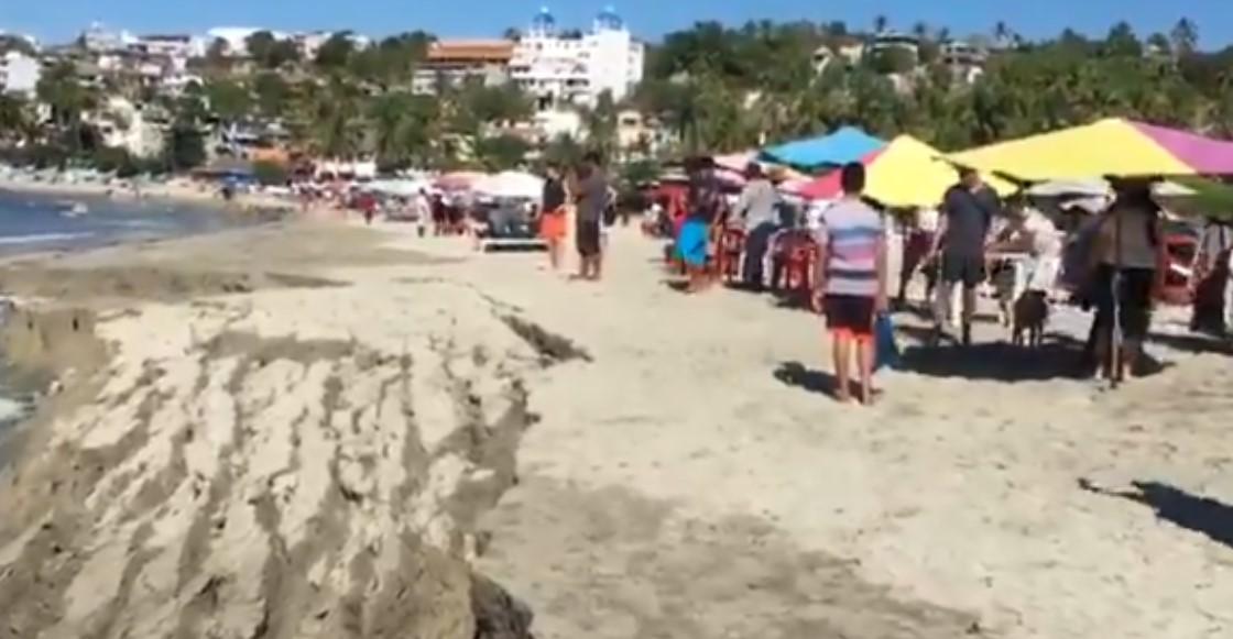 La arena se hundió en la playa Marinero, en Puerto Escondido