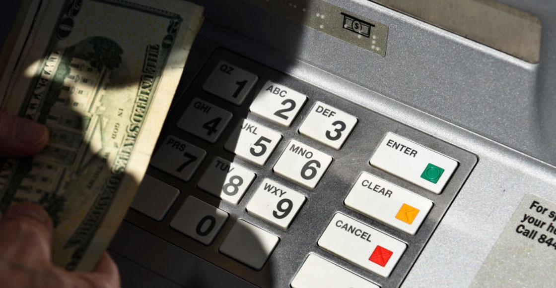Nomás era coto: Banco le cierra la cuenta a una mujer por quejarse del servicio a través de Twitter