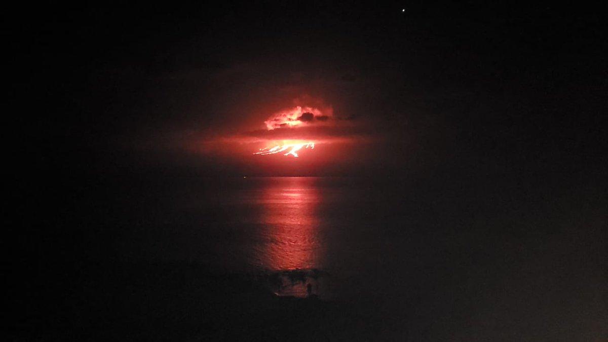 fotos-videos-erupcion-volcan-cumbre-galapagos-ecuador-04