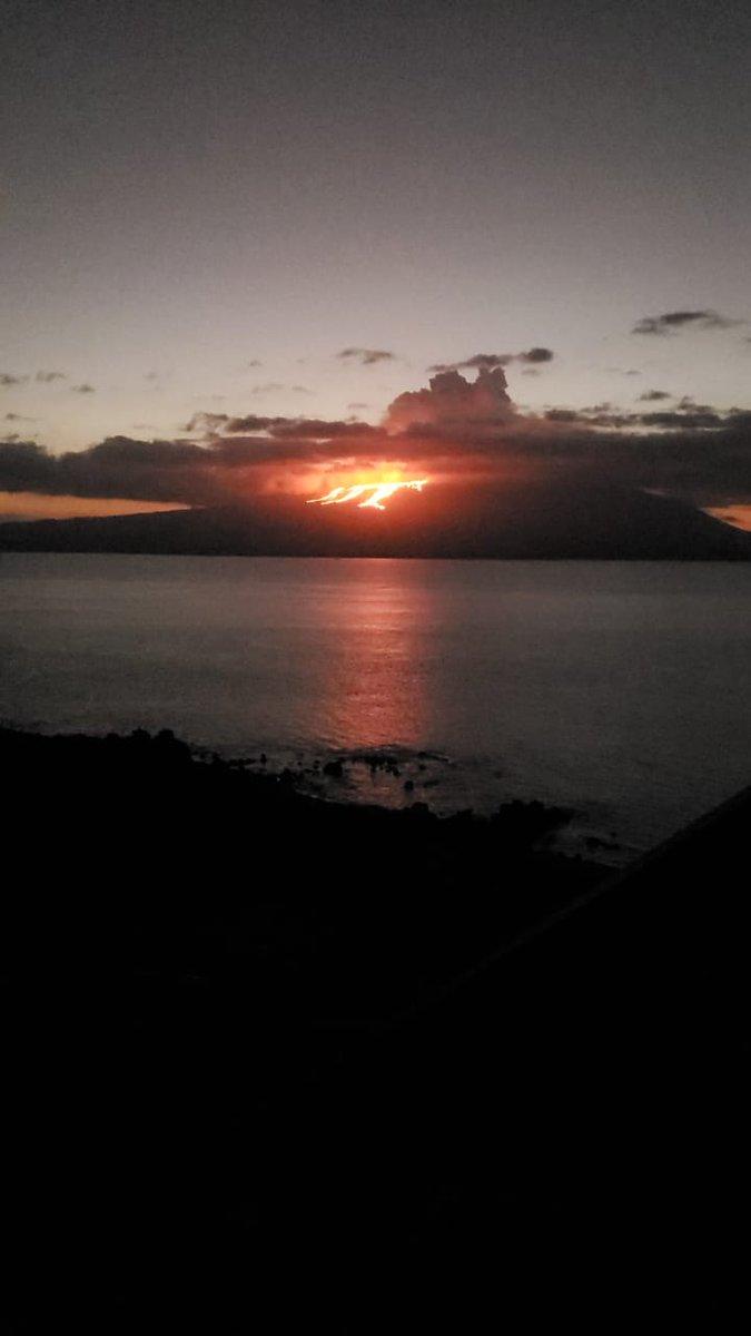 fotos-videos-erupcion-volcan-cumbre-galapagos-ecuador-05