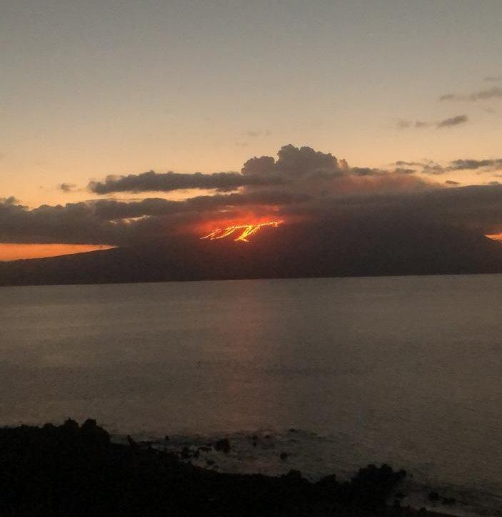 fotos-videos-erupcion-volcan-cumbre-galapagos-ecuador-06