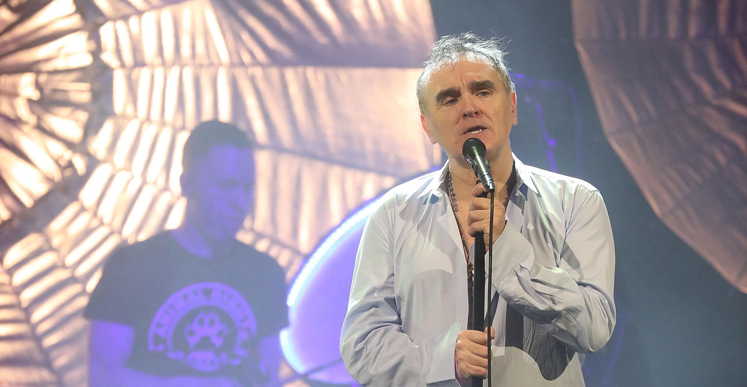 Morrissey libera nueva canción 'Bobby, Don't You Think They Know?' de su próximo disco