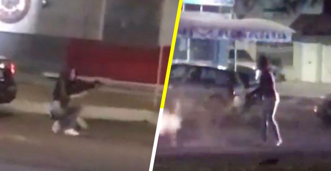 WTF?! Mujer roba fusil de asalto a policía y comienza a disparar a conductores en Aguascalientes